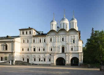 THE PATRIARCH'S PALACE AND THE TWELVE APOSTLES' CHURCH