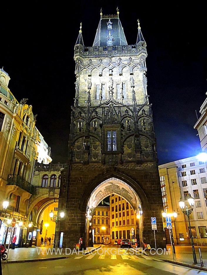 POWDER TOWER PRAG